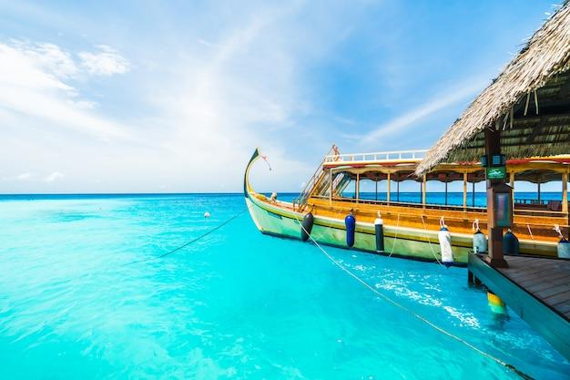 Urlop luksusowe podróże niebo piasek