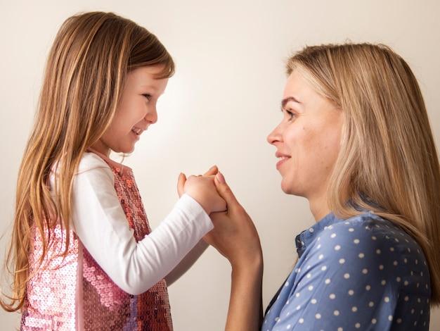 Urocza córka i blondynka razem