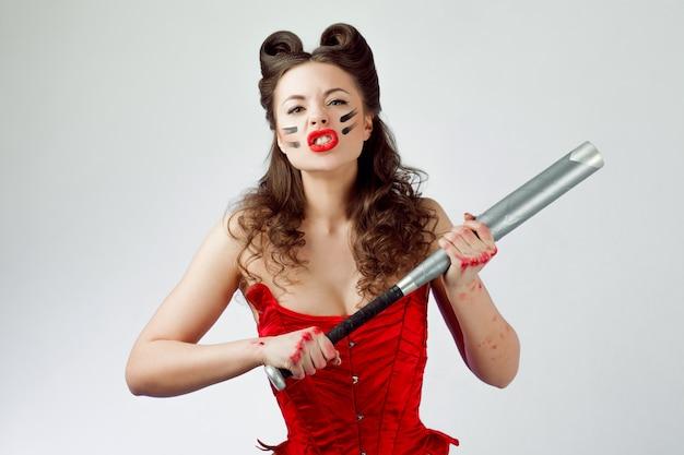 Urocza dama w czerwonym gorsecie. sweetie belle w farbie wojennej, moc dziewczyny