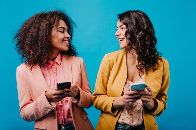 Urocza kobieta sms-y wiadomości