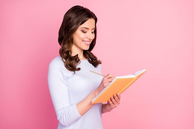 Urocza kreatywna autorka pani trzymaj pamiętnik napisz esej
