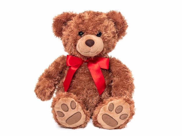 Urocza lalka z niedźwiedzia brunatnego na białym tle uroczy miś do dekoracji.