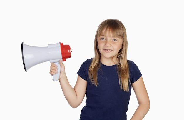 Urocza mała dziewczynka z granatową koszulką i megafonem