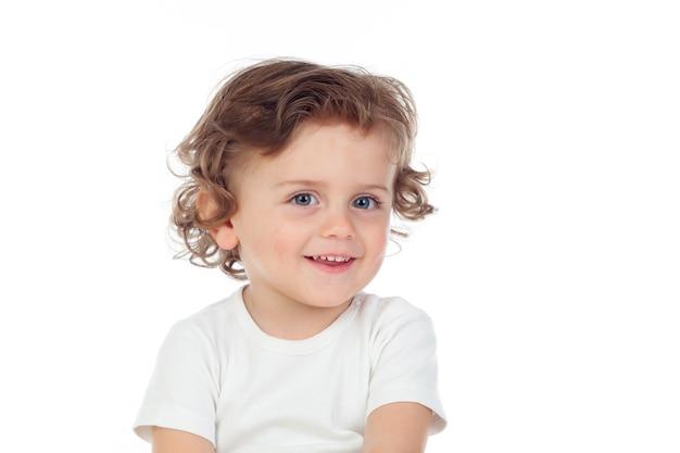 Urocze dziecko z kręconymi włosami