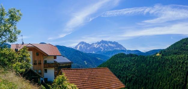 Uroczy dom w alpach