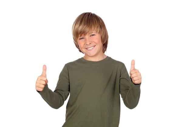 Uroczy dziecko mówi ok odizolowywającego na a nad białym tłem