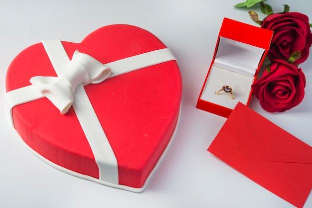 Uroczysty deser w kształcie serca