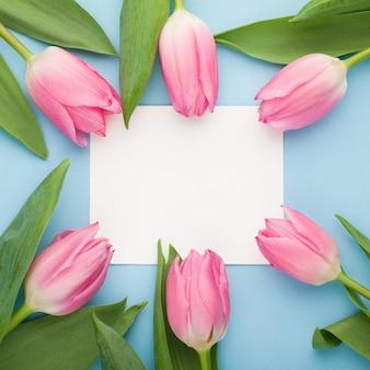 Urodziny lub ślub makieta z tulipana.