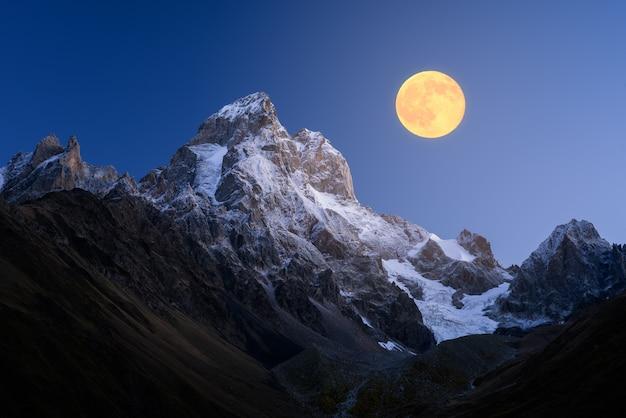 Ushba - najpiękniejsze szczyty kaukazu