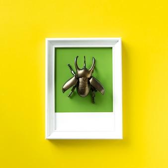 Uskrzydlony chrząszcz owad zabawka obiektu