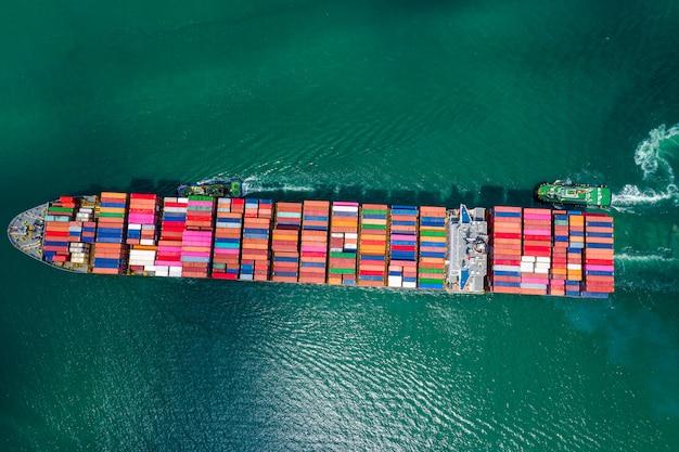Usługi biznesowe wysyłka kontenerów towarowych import i eksport transport międzynarodowy fracht oceaniczny