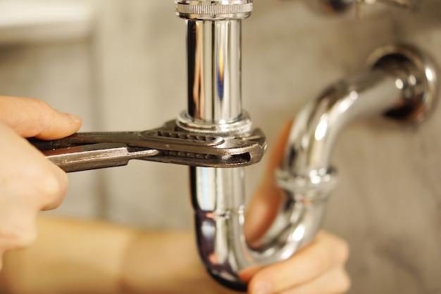 Usługi naprawy hydrauliki