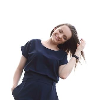Uśmiechnięta młoda kobieta .zdjęcie z miejscem na kopię