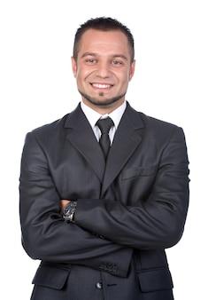 Uśmiechnięty młody człowiek w kostiumu odizolowywającym