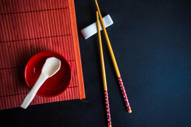 Ustawienie stołu na czerwono