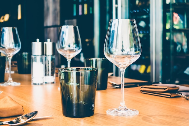 Ustawienie stołu na obiad