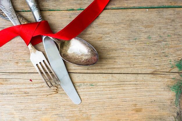 Ustawienie stołu świątecznego