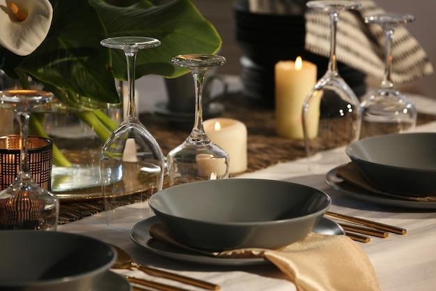 Ustawienie stołu w restauracji, zbliżenie