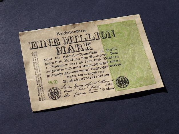 Uwaga eine million mark (co oznacza jeden milion marek)