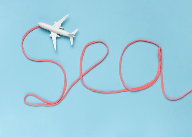 Uwaga morze wykonane z bawełny i małego białego samolotu
