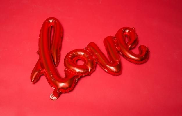 Uwielbiam balon na czerwono