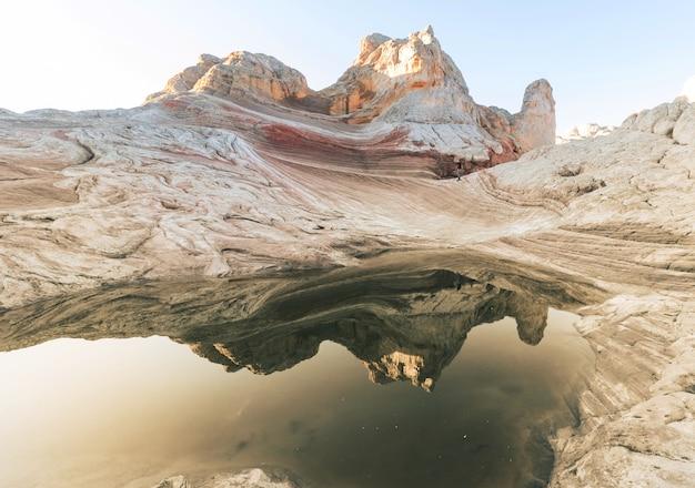 Vermilion cliffs national monument krajobrazy o wschodzie słońca
