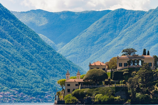 Villa del balbianello nad jeziorem como