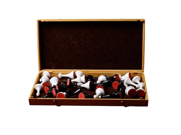 Vintage chess box z obu kolorów dane na białym tle na białym tle
