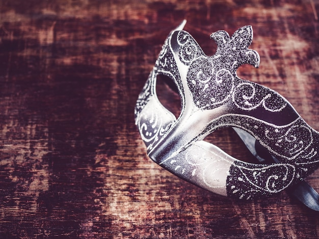 Vintage maski karnawałowe.