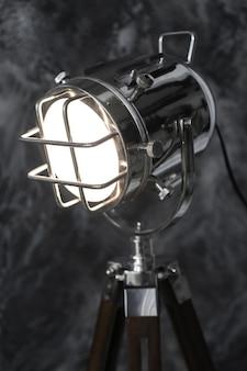 Vintage reflektor na grunge czarny