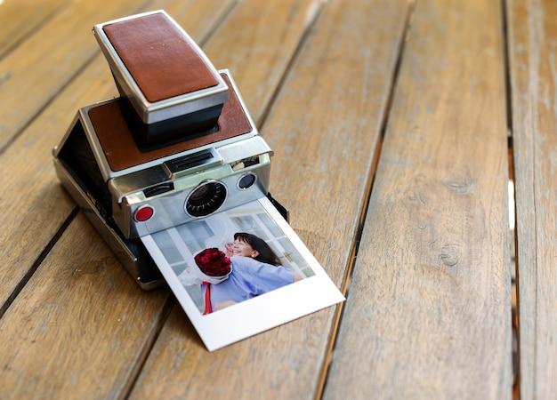 Vintage retro aparat fotograficzny natychmiastowy