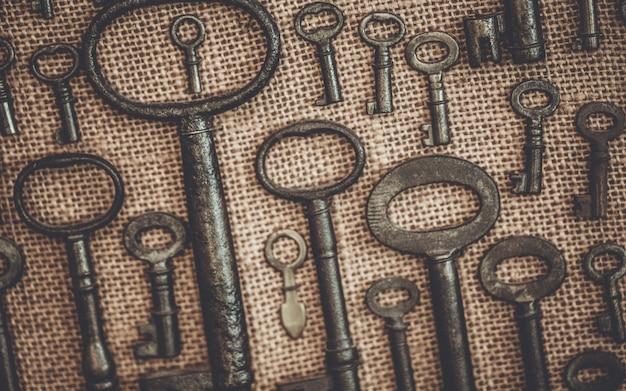 Vintage skeleton keys na płótnie