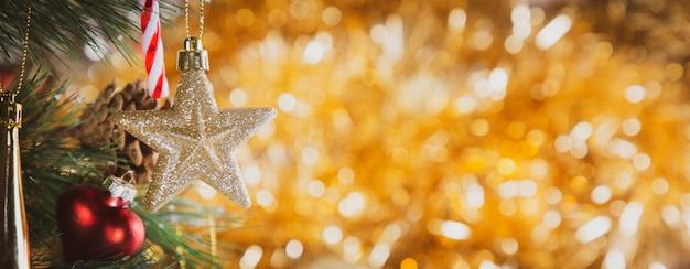Vintage święta bożego narodzenia, wesołych świąt i szczęśliwego nowego roku i rodzinnego festiwalu szczęścia