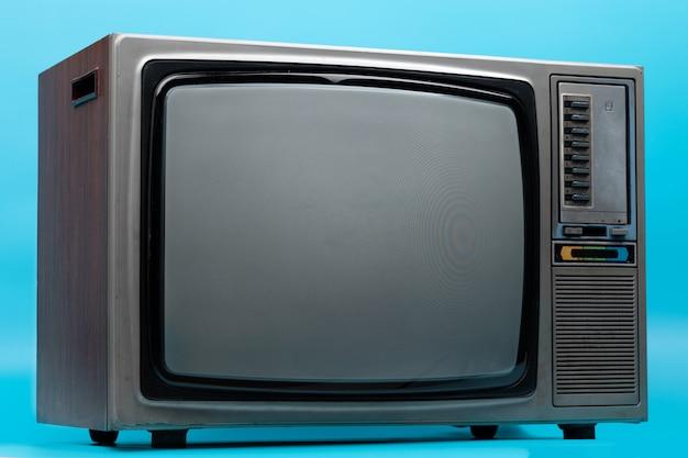 Vintage tv na niebiesko