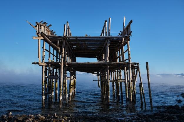 Vintage wieszaki na sieci rybackie na morzu północnym