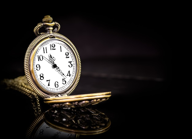 Vintage złoty miedziany zegar kieszonkowy na czarno