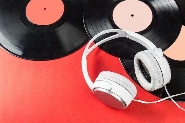 Viny płyty i słuchawki