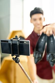 Vlogger przegląd na żywo codzienne ubrania