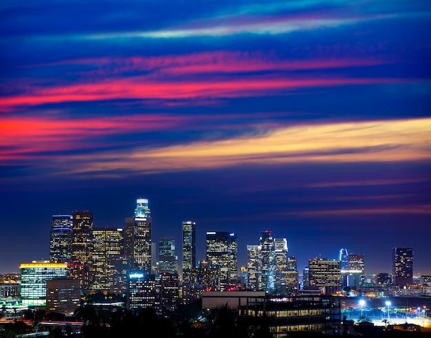 W centrum los angeles nocy los angeles zmierzchu linia horyzontu kalifornia