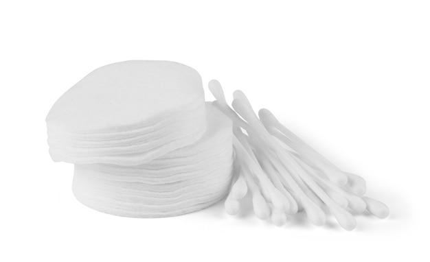 Waciki i patyczki na białym tle