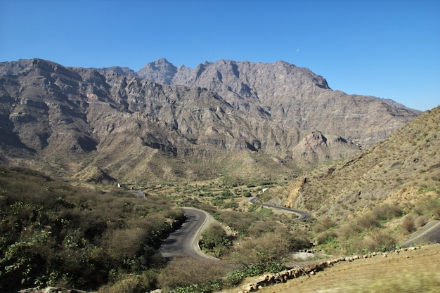 Wadi sara w górach, jemen