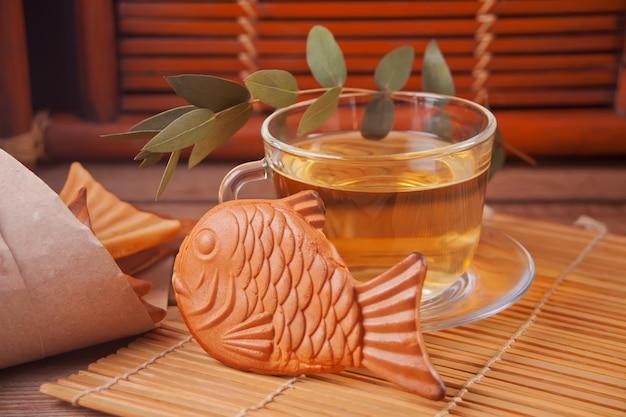 Wafel w kształcie ryby z japońską żywnością taiyaki