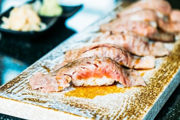 Wagyu mięso wołowe sushi