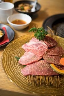 Wagyu wołowina z grillem japońskim stylu