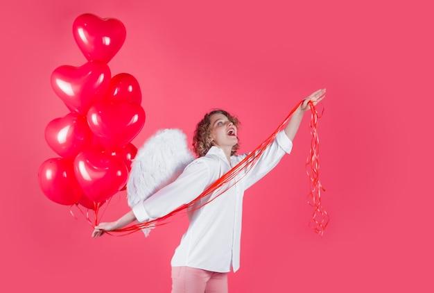 Walentynki amorek anioł kobieta z balonami amorek w walentynki kobieta amorek walentynki