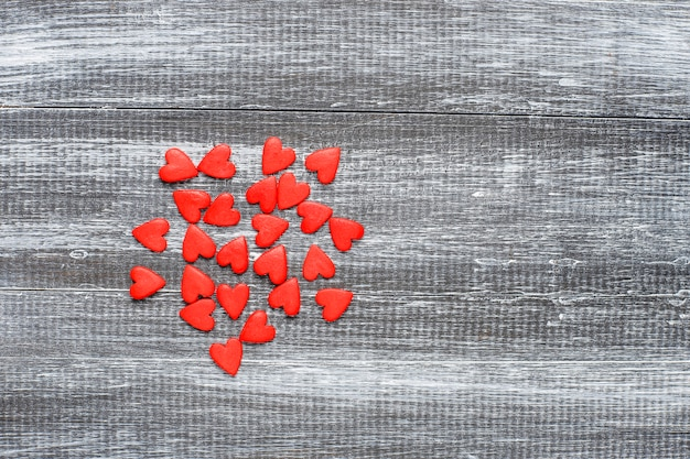 Walentynki czerwone posypki w kształcie serca