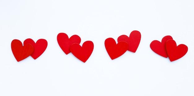 Walentynki - para czerwone serca na białym tle
