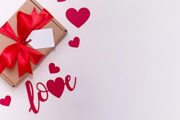 Walentynki romantyczny bezszwowy biały tło, prezent etykietka łęk, teraźniejszość, miłość, serca