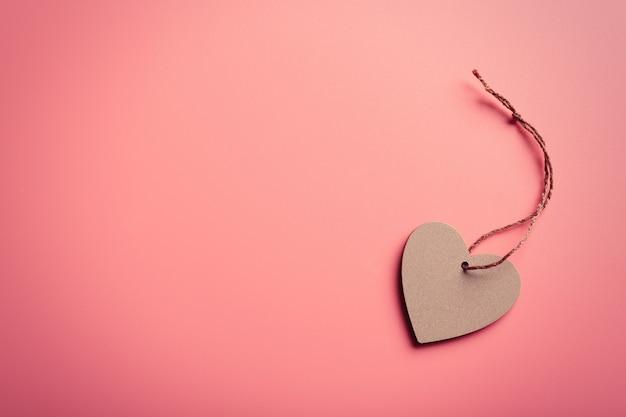 Walentynki serce na różowym tle