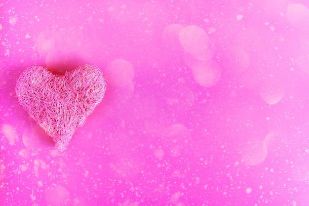 Walentynki świąteczne tło z ozdobnym sercem
